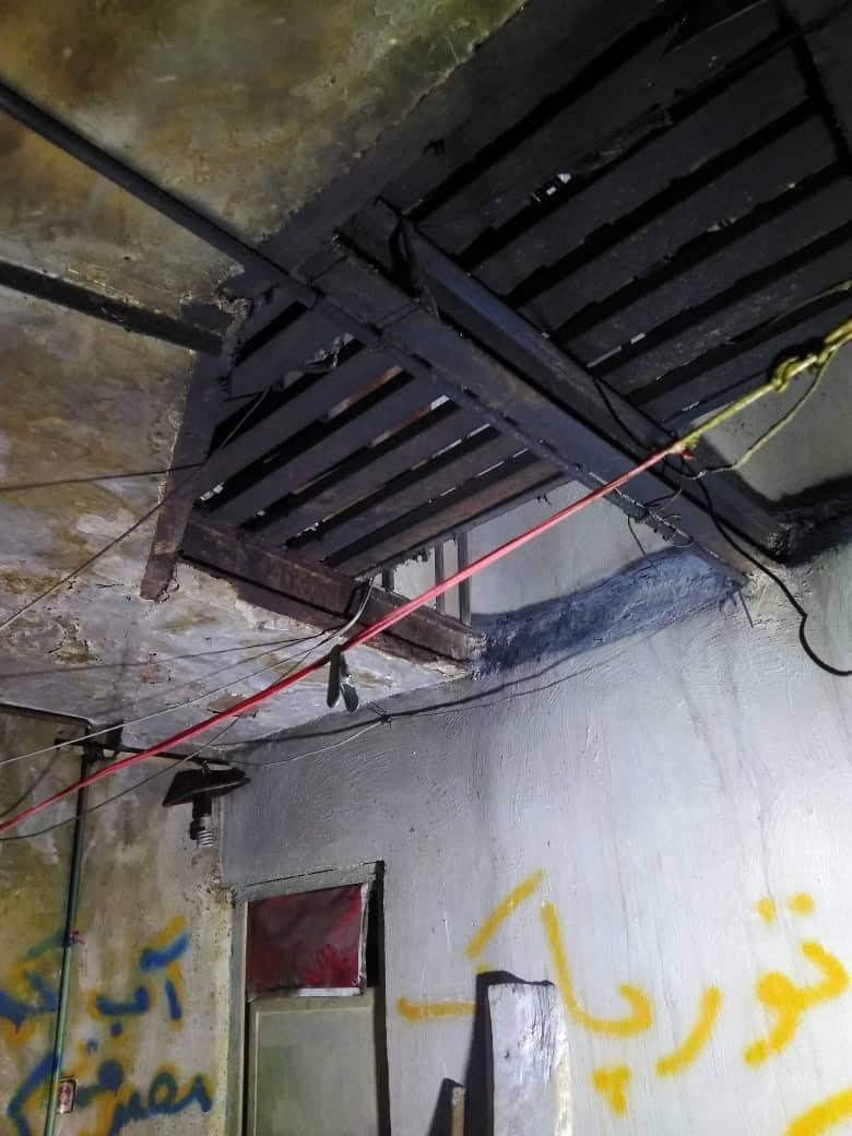 آتش سوزی ساختمان قدیمی دو طبقه با ۱۷ اتاق در شوش غربی
