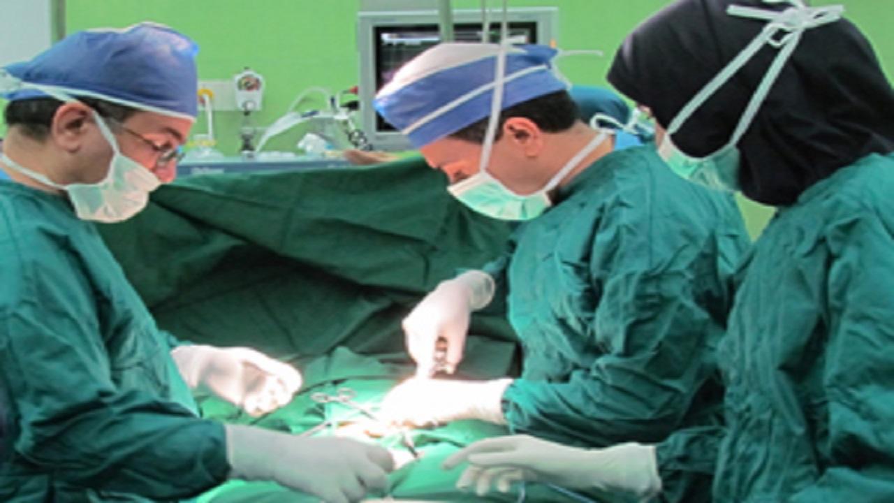 چه افرادی نمیتوانند عمل جراحی بوتاکس انجام دهند؟