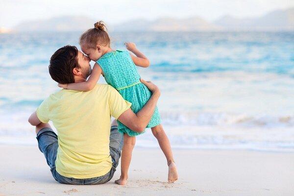 پدران به نیازهای عاطفی رومینای خود توجه کنند