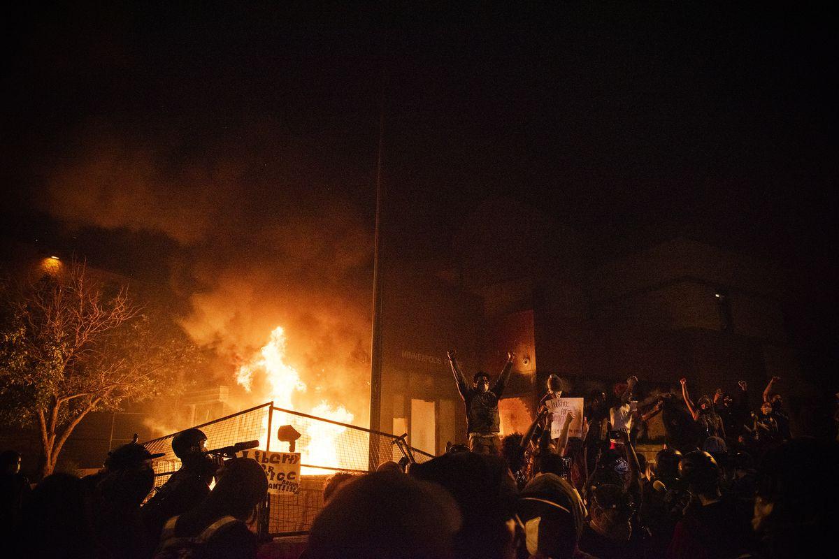 جنایتی که خیابانهای آمریکا را به آتش کشید+ فیلم