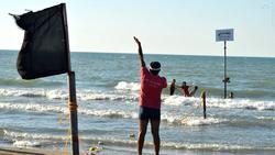 دریای خزر از ۱۵ خرداد به روی گردشگران باز است + فیلم