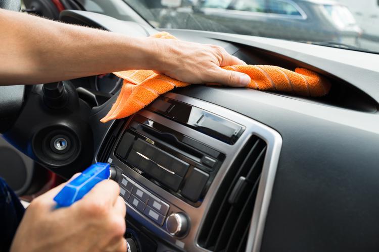 هشدار درباره نگهداری از مواد ضدعفونی کننده حاوی الکل در خودرو