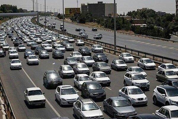 افزایش ۱۵ درصدی تردد خودروها در جادههای استان همدان