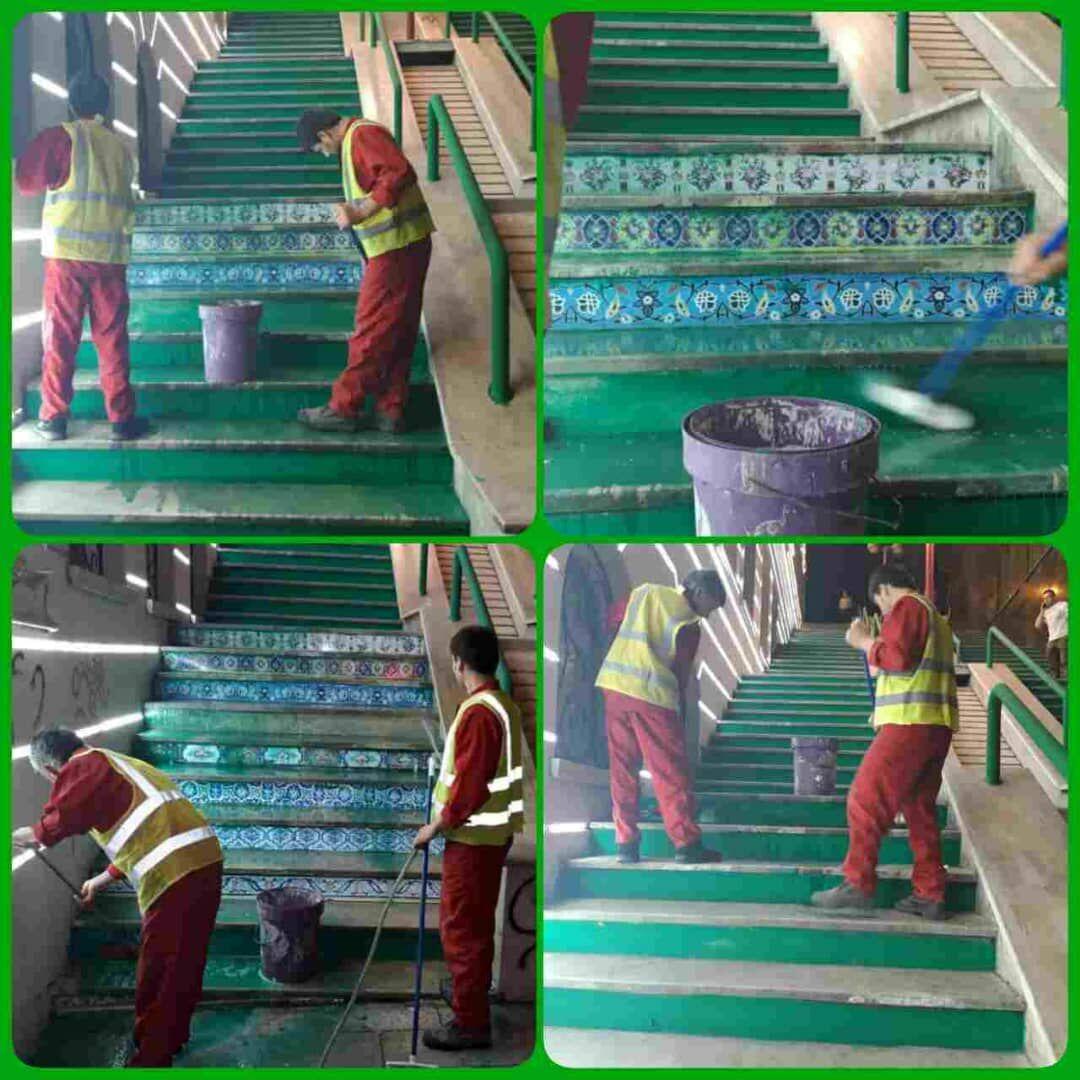 پاک سازی و شست و شوی پله های خیابان ولیعصر