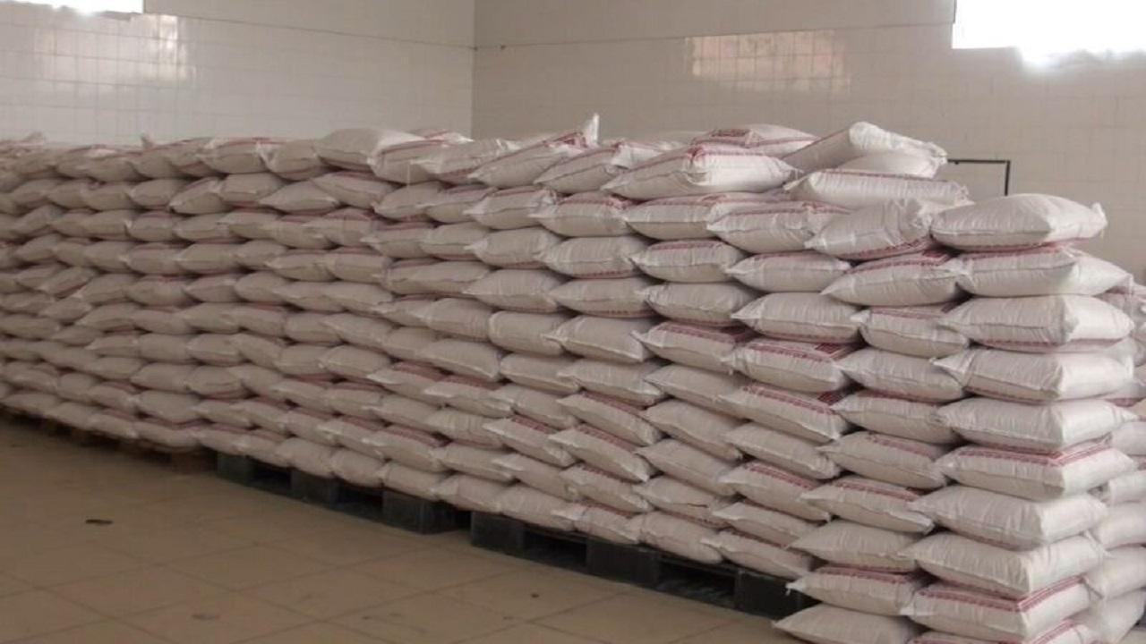 توزیع ماهانه ۲۰ هزار کیسه آرد بین ۱۲۸ نانوایی بروجن