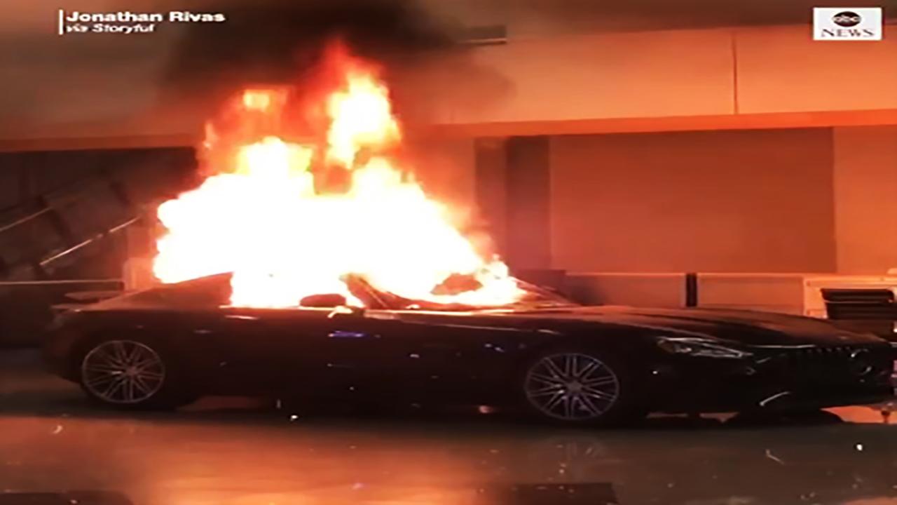 آتش زدن خودروهای لوکس