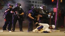 اعتراضات به نژادپرستی در آمریکا ادامه دارد/ حمله پلیس به معترضان در اطراف کاخ سفید+ فیلم و تصاویر