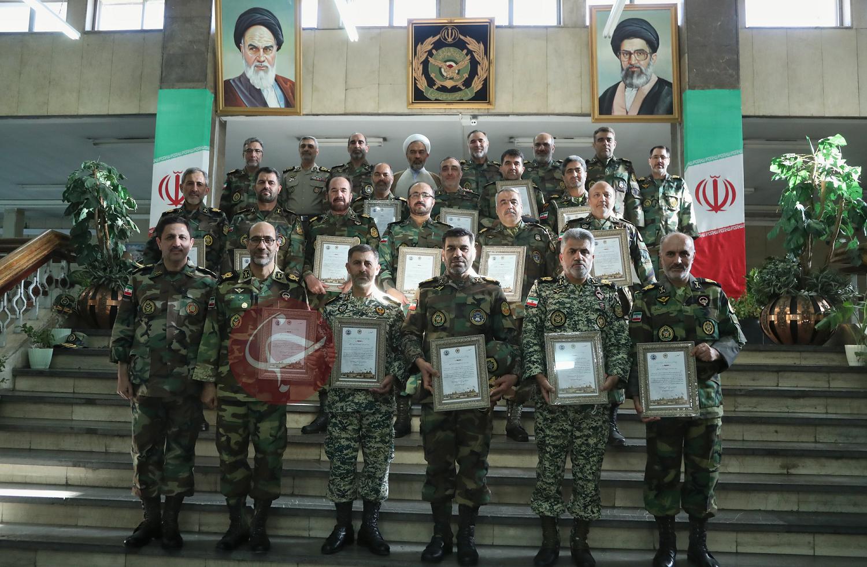 ۱۳ نفر از فرماندهان نیروی زمینی ارتش به درجه سرتیپی نائل شدند