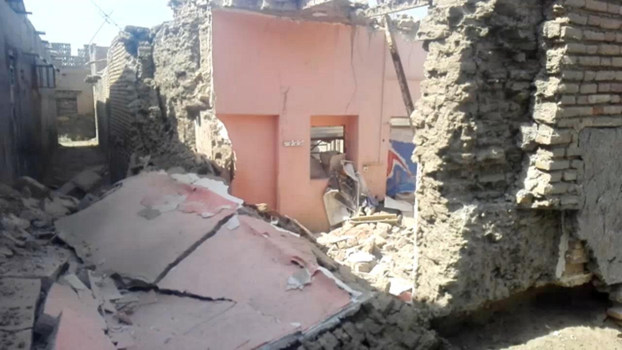 ریزش خانه قدیمی در بلوار ساحلی میناب + فیلم