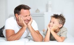 ترفندهایی که والدین و فرزندان را با هم دوست میکند/ راهکارهایی برای دوستی با نوجوانان
