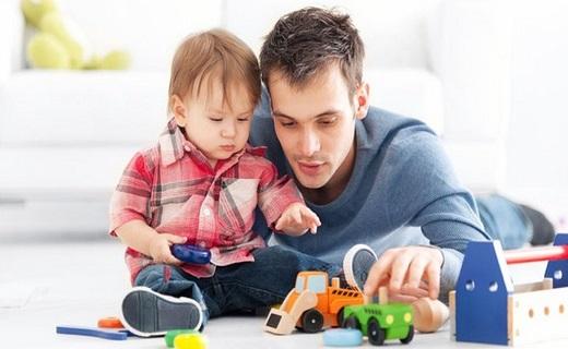 بازی کردن با فرزند