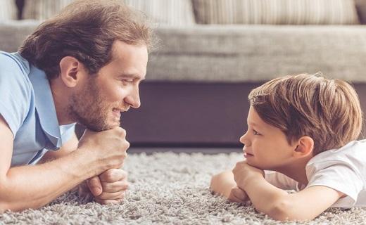رابطه صمیمی بین پدر و پسر