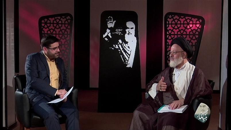حاج احمدآقا اولین کسی بود که با رهبر انقلاب بیعت کرد/ دو توصیه رهبر انقلاب به دانشجویان درباره بیانیه گام دوم انقلاب