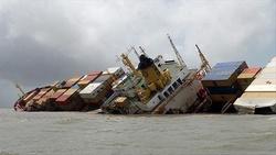 شناور باری بهبهان در آبهای عراق غرق شد/ صدور مجوز برای اعزام شناور امدادی به عراق