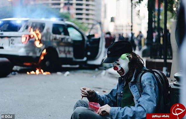 بازداشت مرد جوکرنما در تظاهرات آمریکا