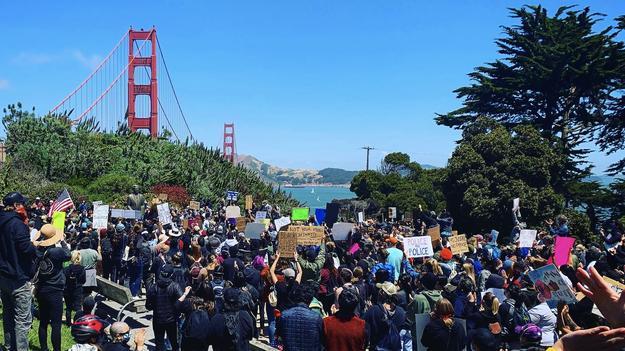 مسدود کردن پل گلدن گیت در کالیفرنیا از سوی معترضان 04