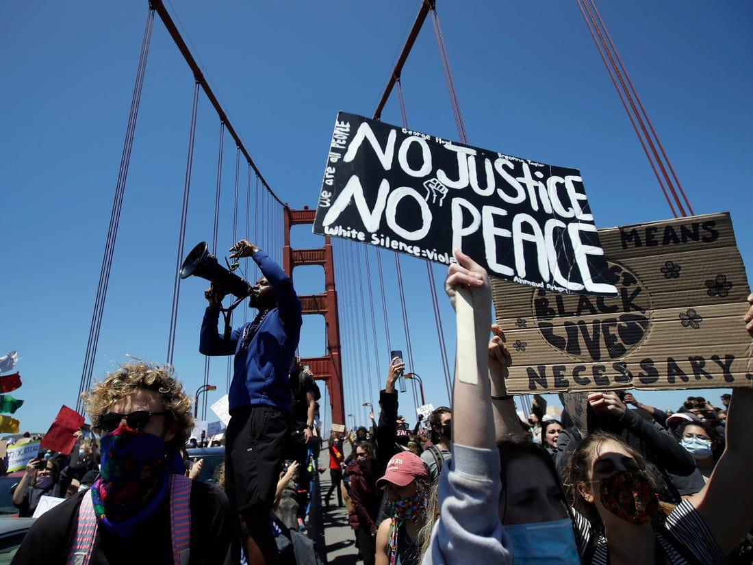 مسدود کردن پل گلدن گیت در کالیفرنیا از سوی معترضان 02