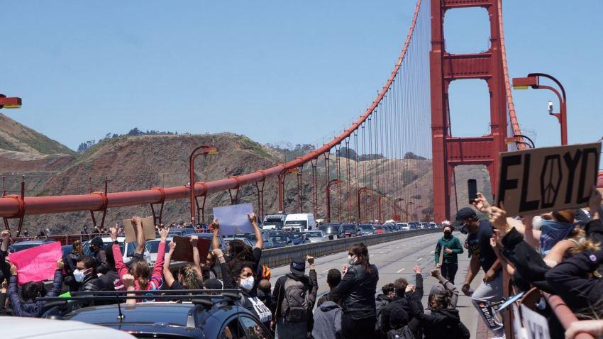 مسدود کردن پل گلدن گیت در کالیفرنیا از سوی معترضان 01