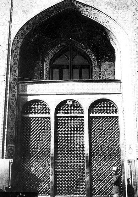 درخواست امام رضا درباره مکانی که قرار بود گناهکاران وارد آن نشوند/ ماجرای ساخت پنجره فولاد چه بود؟
