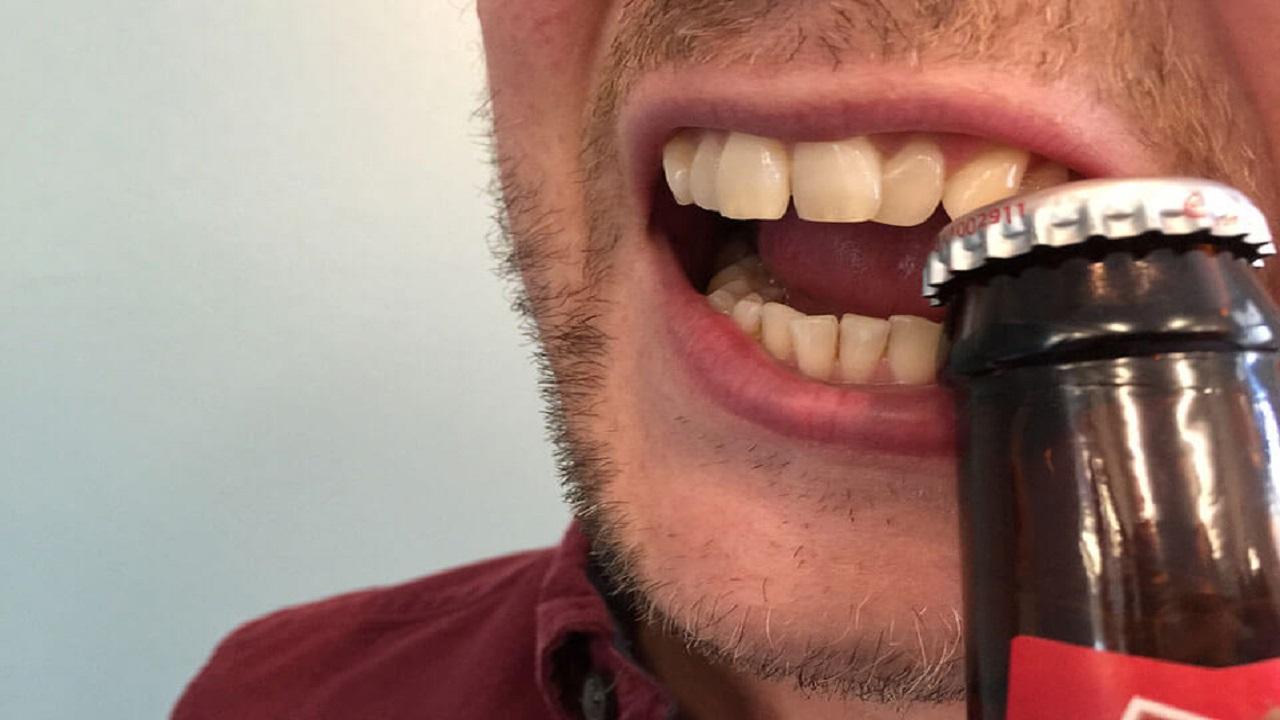 استفاده ابزاری از دندان