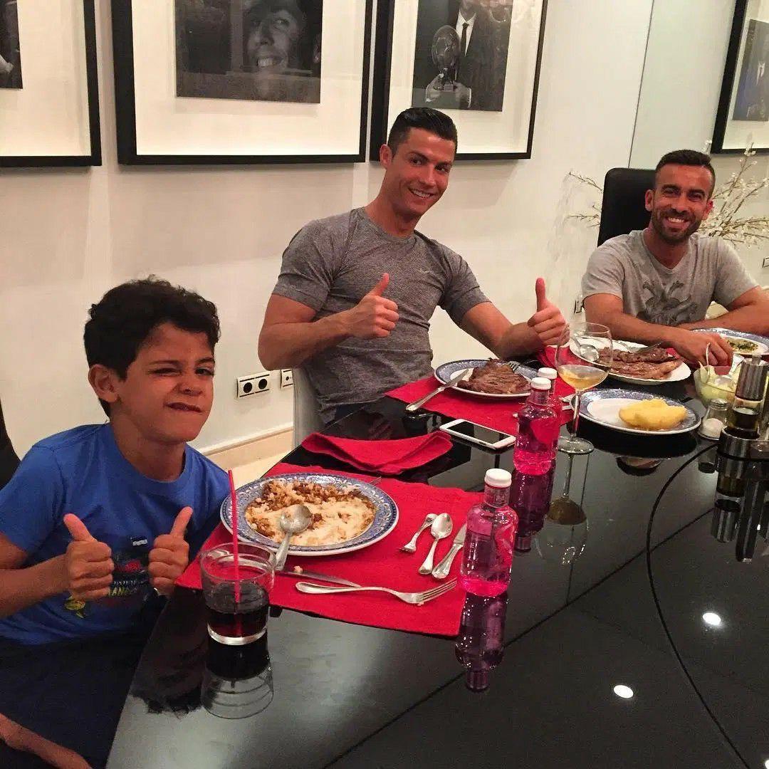زندگی شخصی رونالدو؛ مرتاضی که فوتبالیست شد! + تصاویر