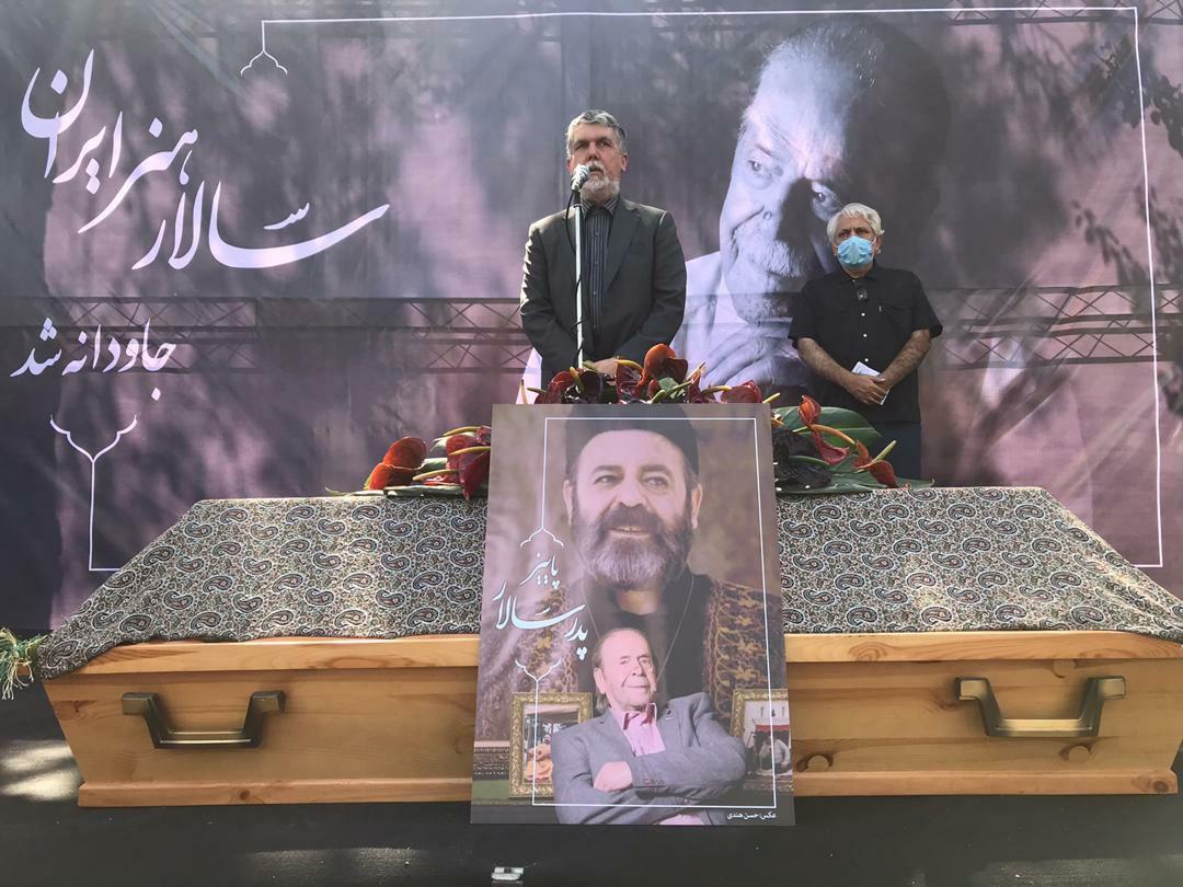 آغاز مراسم تشییع پیکر محمد علی کشاورز