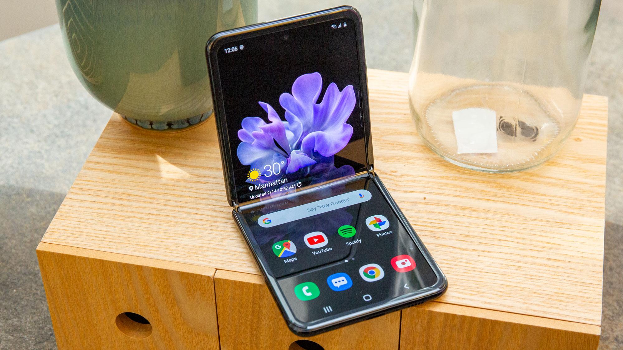 تولید نسخه 5G گلکسی Z Flip تائید شد