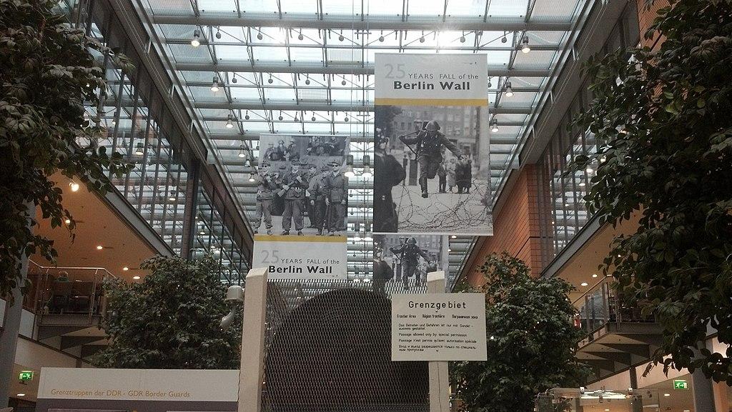 تاریخچه اصلیترین نماد جنگ سرد را در یکی از موزههای آلمان مرور کنید