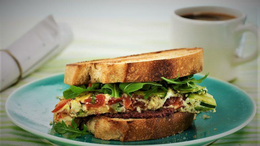 طرز تهیه یک ساندویچ خوشمزه مخصوص  گیاه خوران