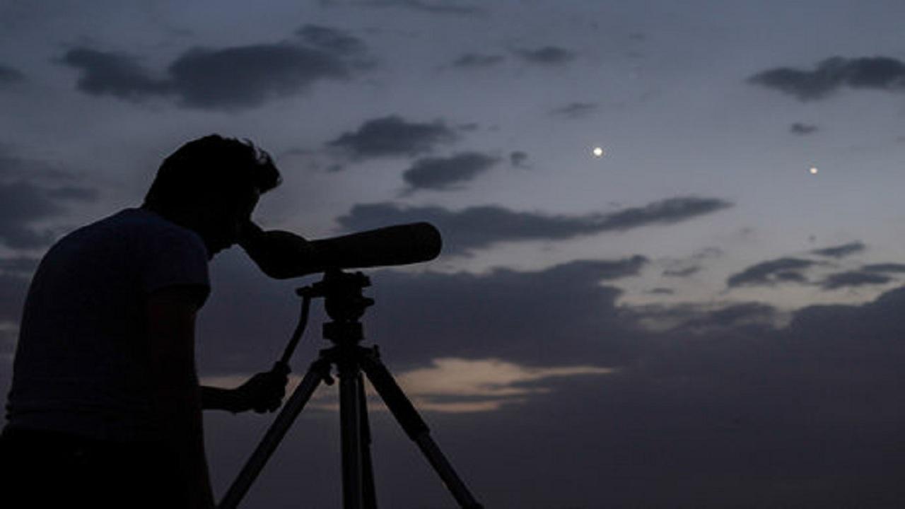 ۵ گروه هلال ماه شوال را در بوشهر رصد میکنند