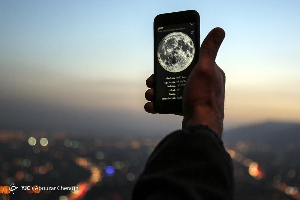 خودنمایی هلال ماه شوال امشب در آسمان کشور/ ایرانیان در این شهرها ماه را شکار کنند