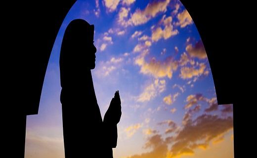به وقت کارنامه بندگی /عید سعید فطر هنگامه استجابت دعا است
