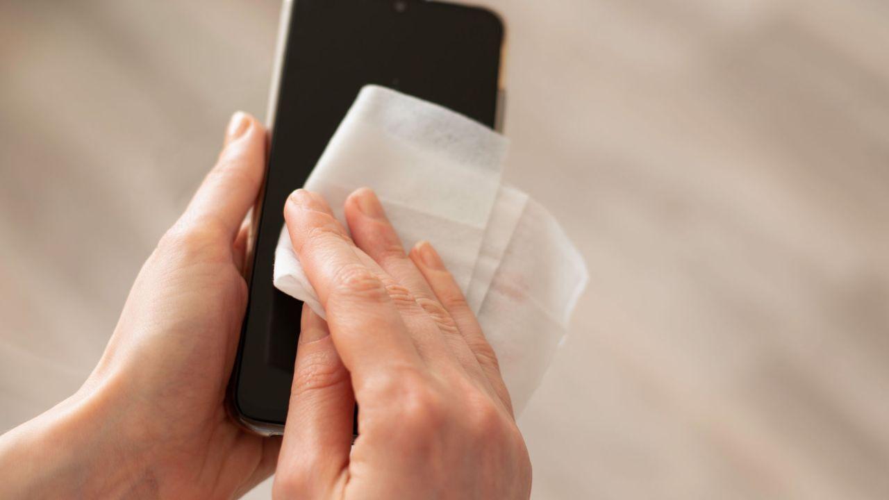 ضدعفونی کردن گوشی همراه
