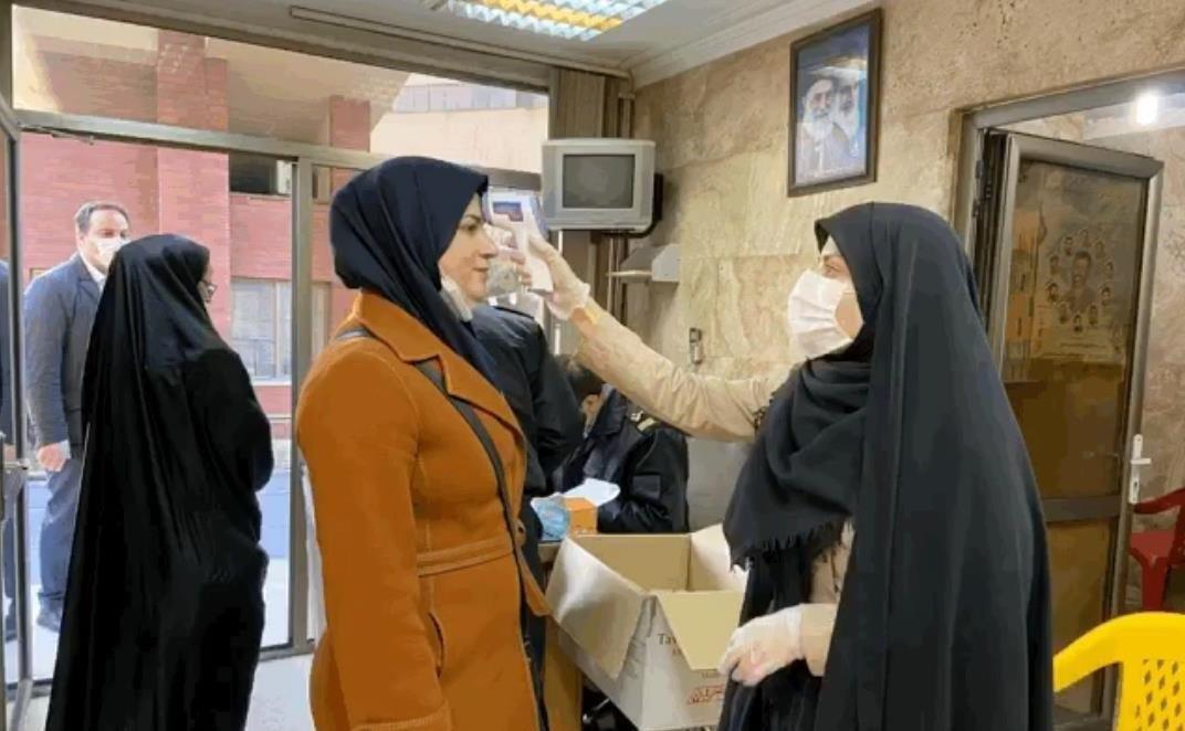 تصمیمات کرونایی وزارت بهداشت در ماه رمضان؛ از بازگشایی مساجد و مدارس تا رستورانها و تالارها