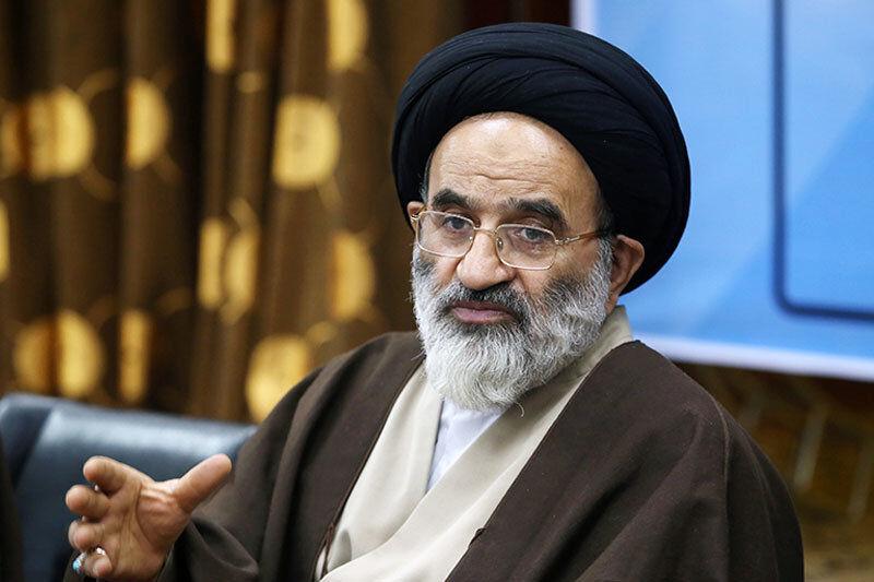 مجلسی که دستش بلرزد، انقلابی نیست