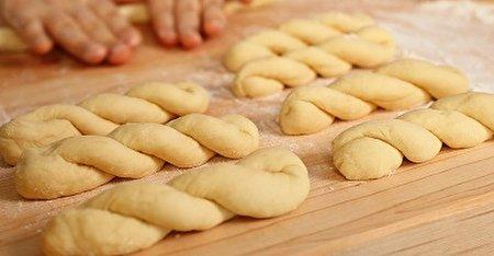 تهیه خمیر پیراشکی حرفه ای به روشی ساده