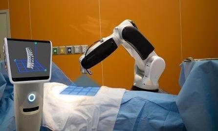 بیمارستان هوشمند و رباتیک