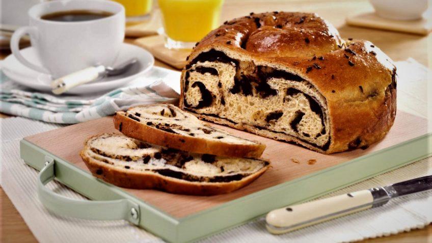 طرز تهیه نان شکلاتی داغ و خوشمزه