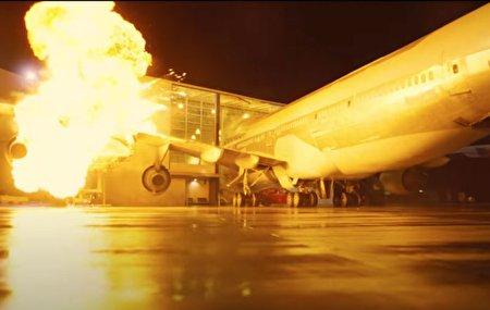 نولان برای فیلم جدیدش یک هواپیمای واقعی را منفجر کرده است