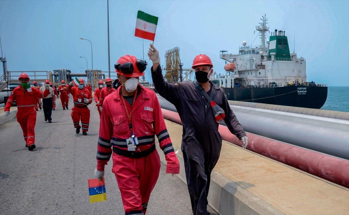 هراس از واکنش تهران، آمریکا را به سکوت در مقابل مانور نفتکشهای ایرانی واداشت