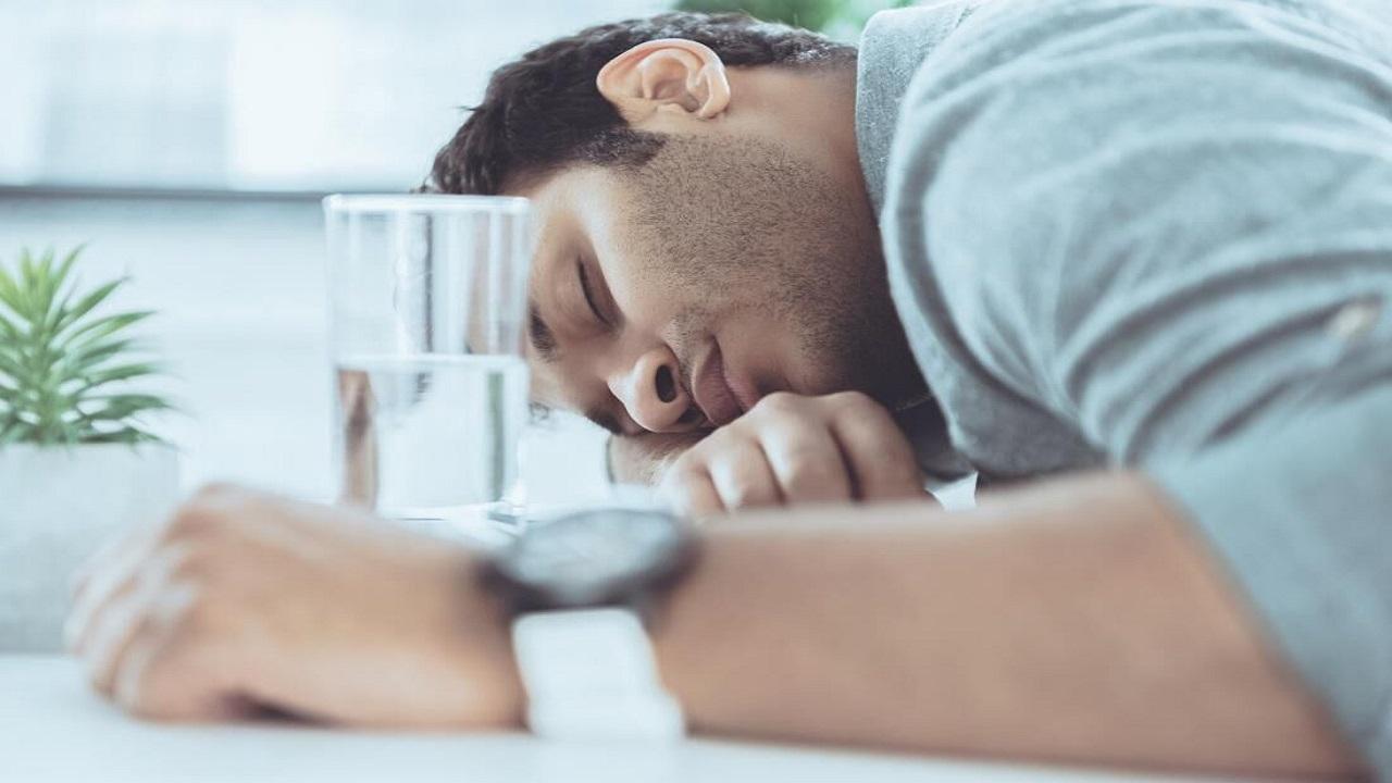 ۸ نشانهای که میگوید شما کمخواب هستید