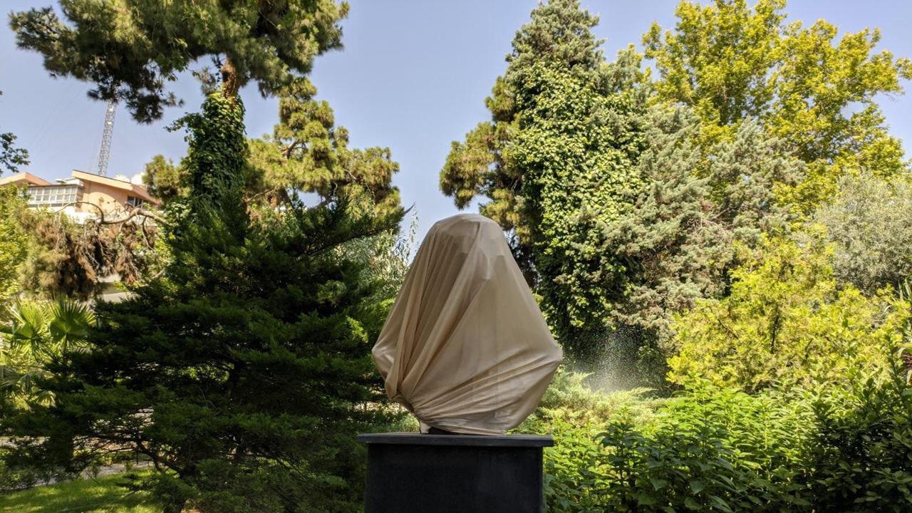 آیا این مجسمه ناپیدا متعلق به شهید سلیمانی است؟ + عکس