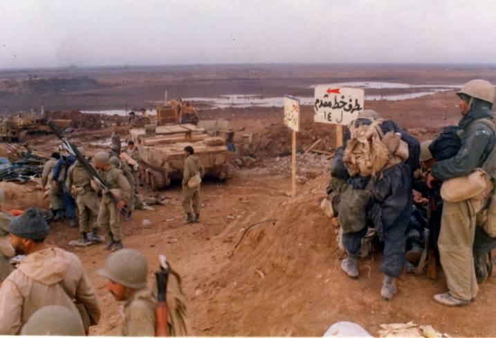 آماده شدن رزمندگان برای اجرای عملیات