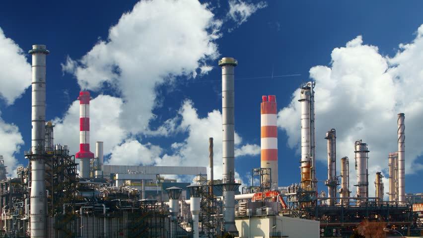 تولید فرآوردههای نفتی در تهران از هفته آینده