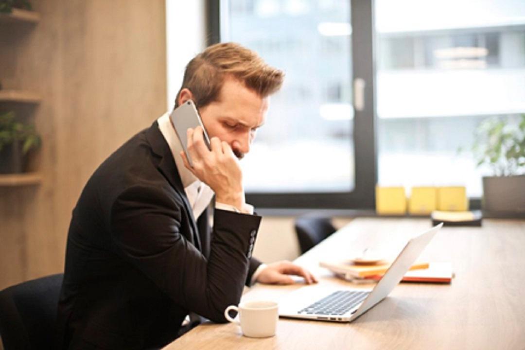 چگونه حرفهای با تلفن صحبت کنیم؟