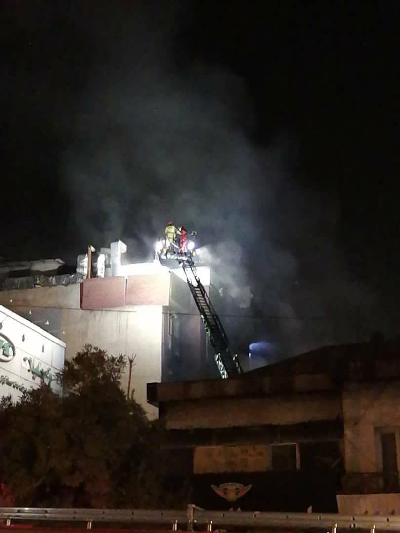 آتش سوزی در درمانگاه سینا اطهر در خیابان شریعتی/اعزام ۵ آمبولانس به محل حادثه