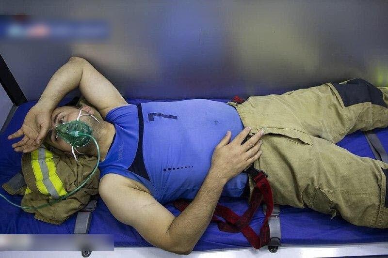 آتش نشان فداکاری که در حادثه کلینیک سینا دچار حادثه شد