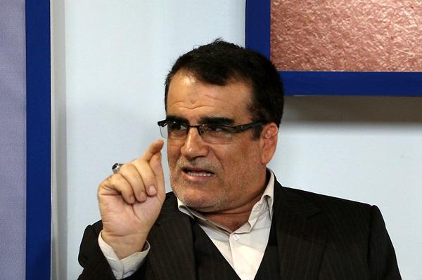 با کاندیداتوری آقای عارف برای ریاست جمهروی موافق نیستم/ اصلاح طلبان به سمت آقای لاریجانی نخواهند رفت