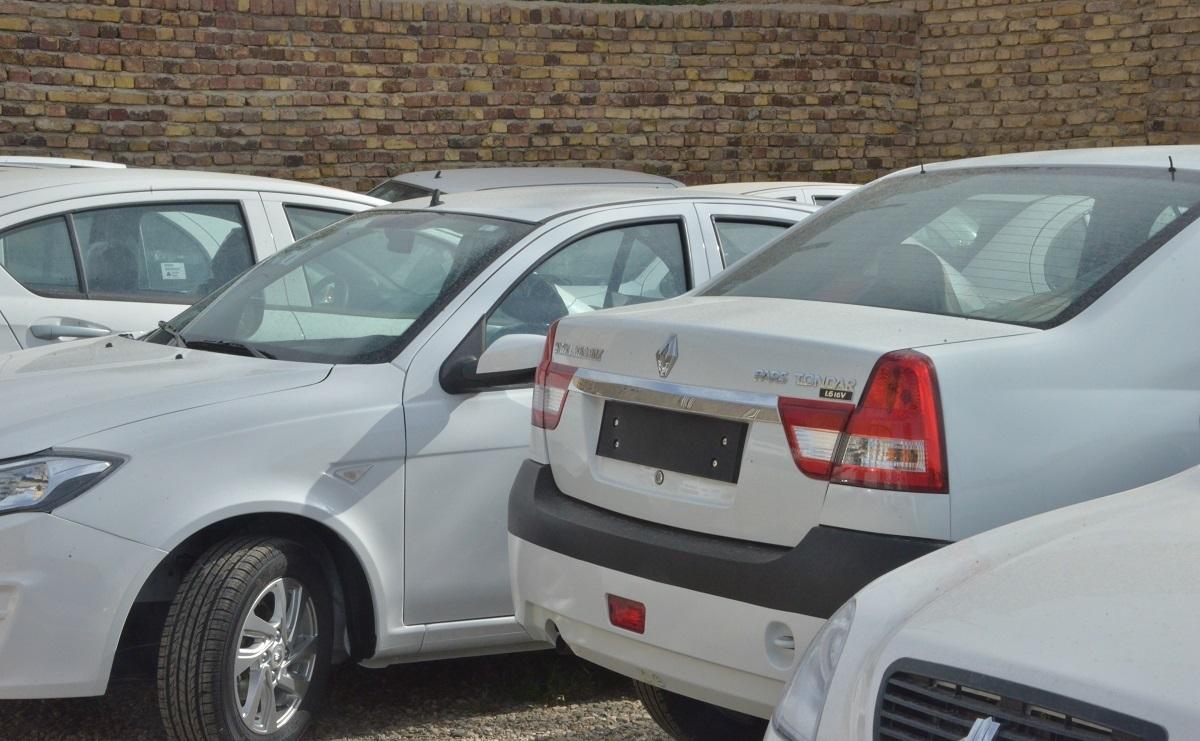 کشف پارکینگ احتکار خودرو در ساوه