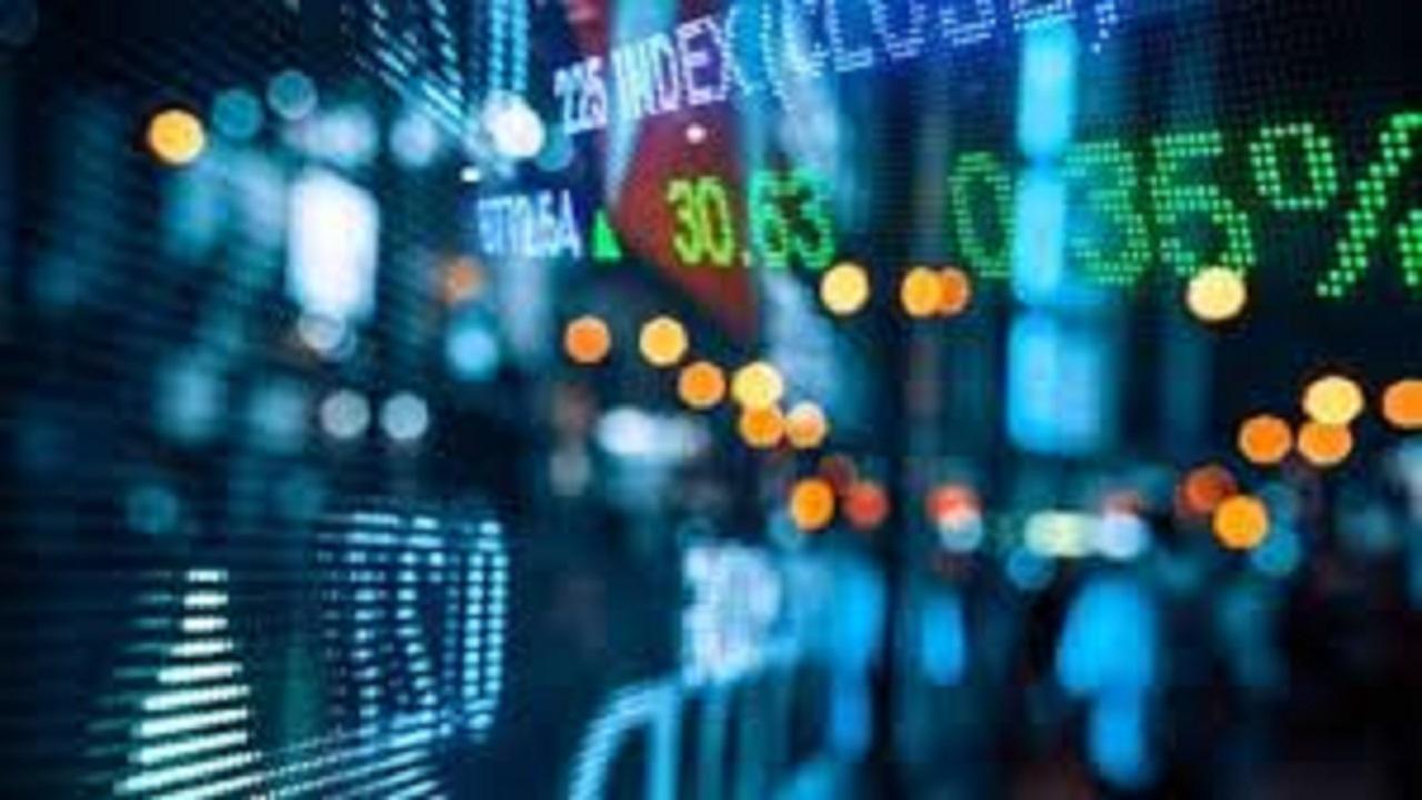افزایش تعداد سهامدارن با عرضه اولیه در بورس محقق می شود/ بازار سکه ارز در انتظار ارزانی